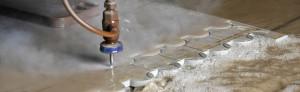 řezání materiálu vodním paprskem